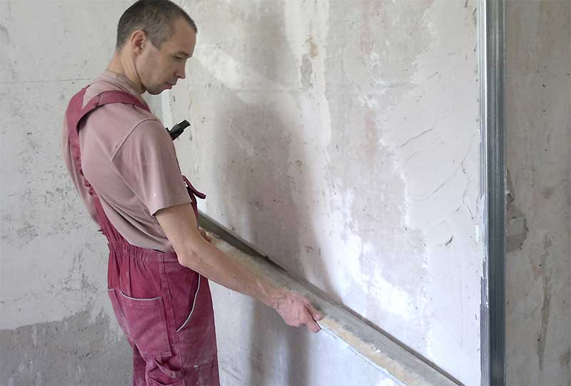 как выровнять стены цементным раствором