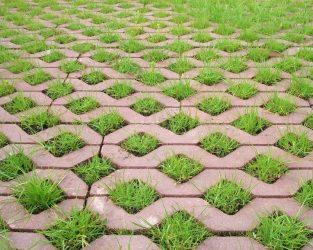 Тротуарная плитка с отверстиями для травы